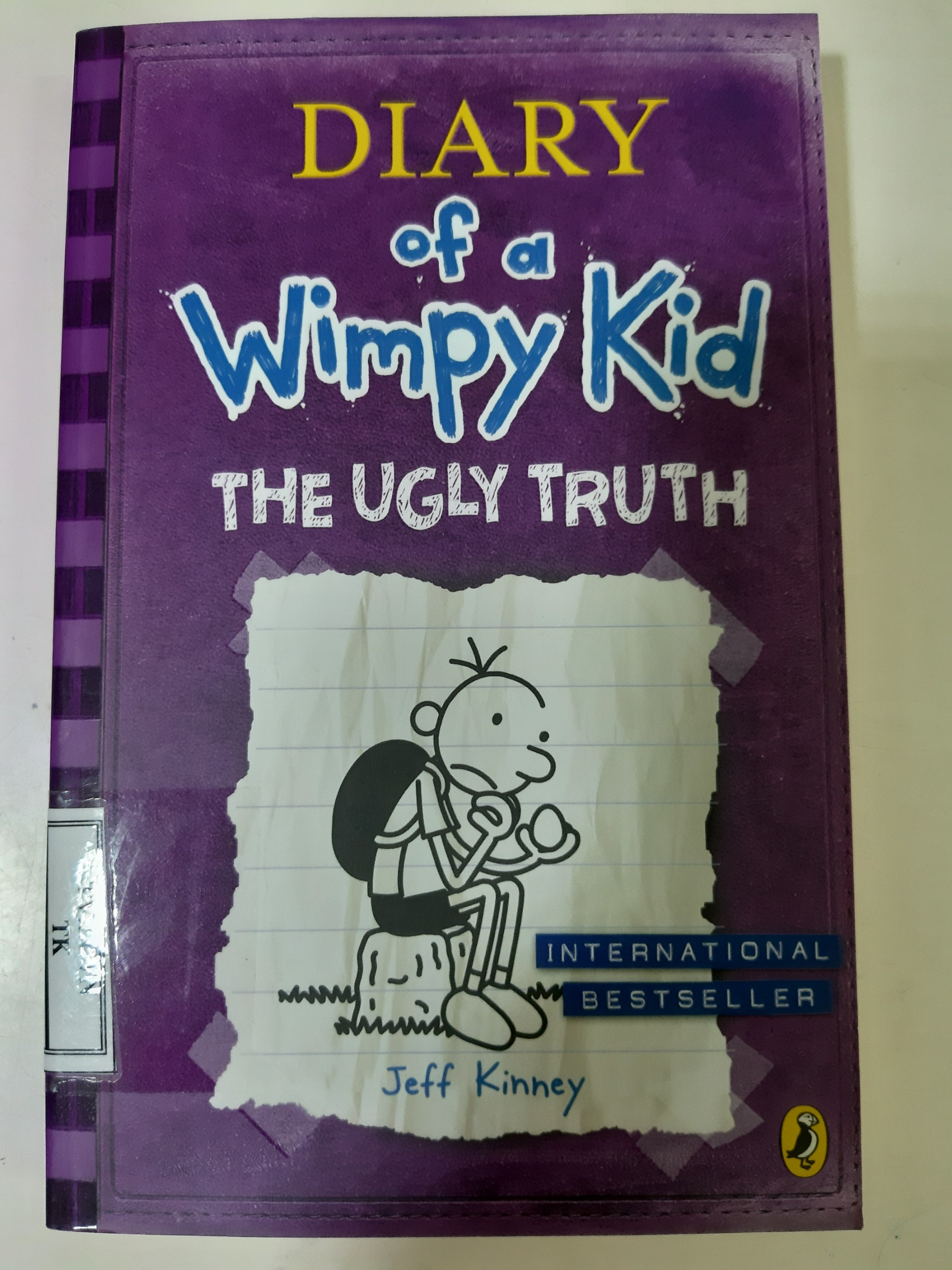 Diary of a Wimpy Kid 5: The Ugly Truth Book